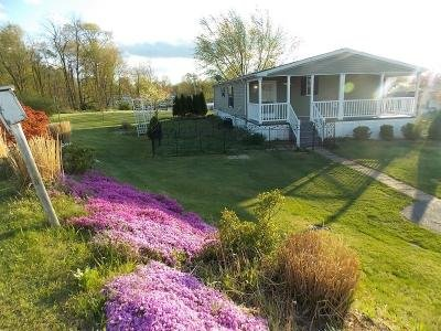 Mobile Home at 460 Fancy Filly Martinsburg, WV 25403