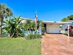 Photo 1 of 19 of home located at 2015 E. Lakeview Drive Sebastian, FL 32958