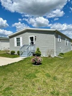 Photo 3 of 24 of home located at 11 Ridgeway Circle Saline, MI 48176