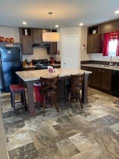 Photo 5 of 24 of home located at 11 Ridgeway Circle Saline, MI 48176