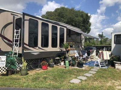 Mobile Home at 11 Harbor Oaks Dr Lot 33 Fruitland Park, FL 34731