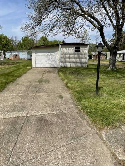 Mobile Home at 1074 Brookwood Drive Derby, NY 14047