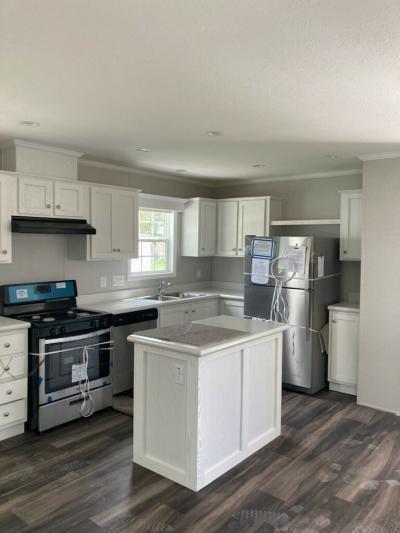 Mobile Home at 6061 Country Way S Lot Ts6061 Saginaw, MI 48603