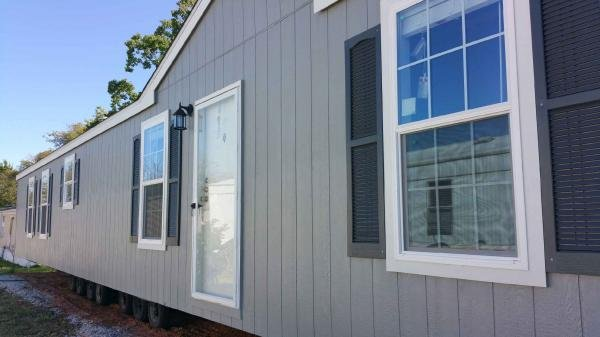 2017 OAK CREEK HOMES Mobile Home For Sale