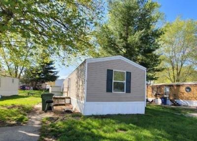 Mobile Home at Na Mount Vernon, IL 62864