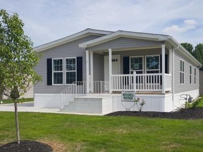 Mobile Home at 375 Pin Oak Circle Elyria, OH 44035