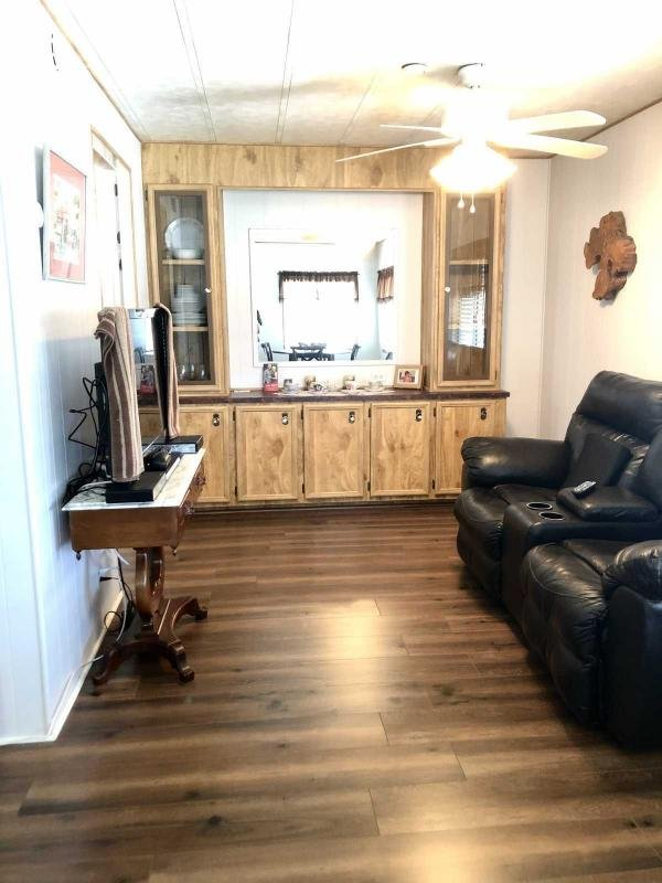 1977 Kingswood Mobile Home For Sale