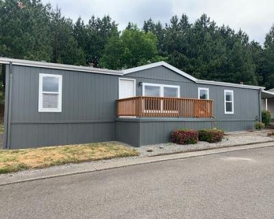 Mobile Home at 10400 SE Cook Ct Milwaukie, OR 97222