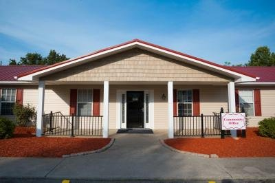 Mobile Home at 7204 Larkspur Ln Lot #25 Powell, TN 37849