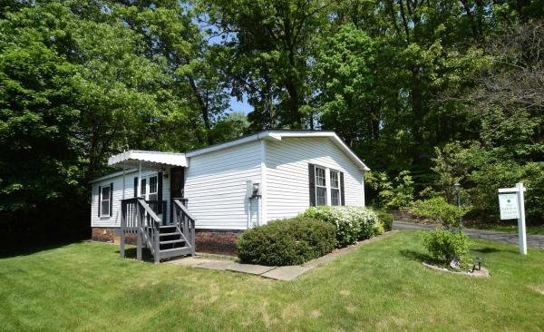 Photo 1 of 2 of home located at 337 Sandalwood Court Carnegie, PA 15106