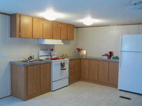 2006 REDMAN Mobile Home For Sale