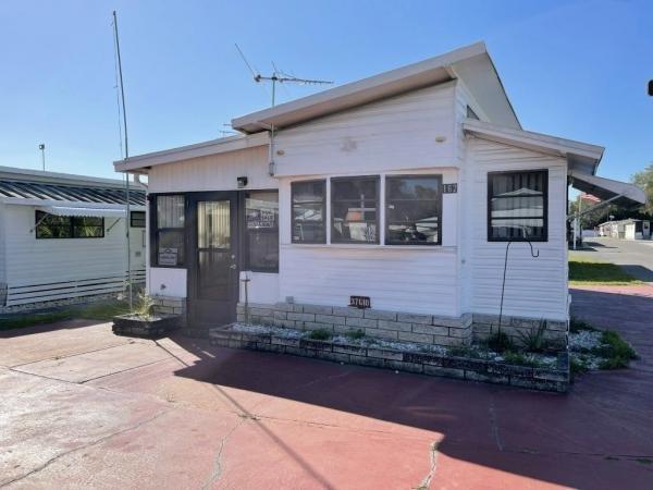 1985 LEIS Mobile Home For Sale