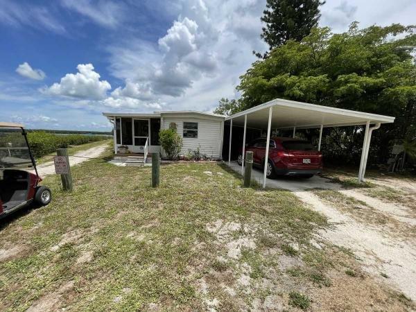 Photo 1 of 2 of home located at 1635 Wheelhouse Circle Lot 49 Ruskin, FL 33570