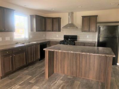 Mobile Home at 46391 Le Grande Blvd, Site #992 Macomb, MI 48044
