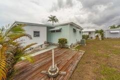 Photo 4 of 25 of home located at 1100 Curlew Rd Lot 122 Dunedin, FL 34698