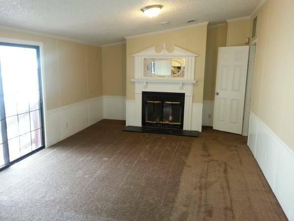 1992 SILVER CREEK HOMES Mobile Home For Sale