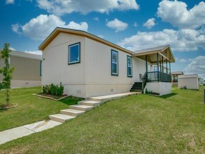 Mobile Home at 11106 Scarlet Oak Ln Euless, TX 76040