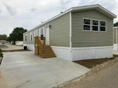 Mobile Home at 6818 Bittersweet Ln Indianapolis, IN 46236