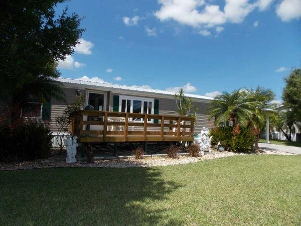 Photo 1 of 2 of home located at 361 Bottle Brush Ave Labelle, FL 33935