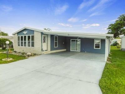 Mobile Home at 4603 Lake Crystal Blvd Zephyrhills, FL 33541