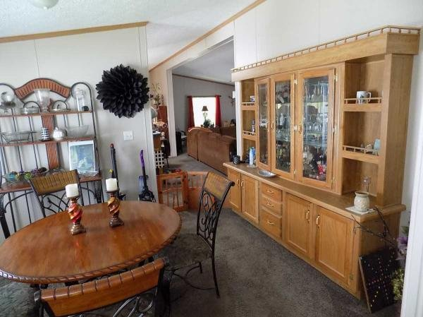 2000 Schult Mobile Home For Sale