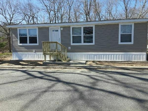 2021 Commodore Homes Mobile Home For Rent
