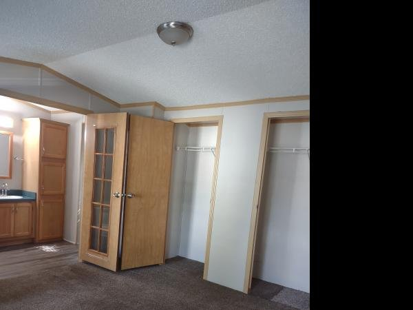 1997 SCHUTZ Mobile Home For Rent