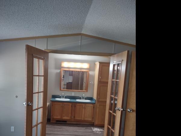 1997 SCHUTZ Mobile Home For Sale