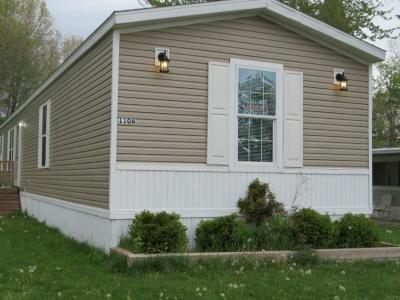 Mobile Home at 1106 Oakbrook East Jackson, MI 49201