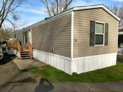Mobile Home at 24 Kings Dr SW Warren, OH 44481