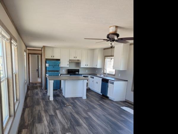 2021 CMH MANUFACTURING INC Mobile Home For Sale