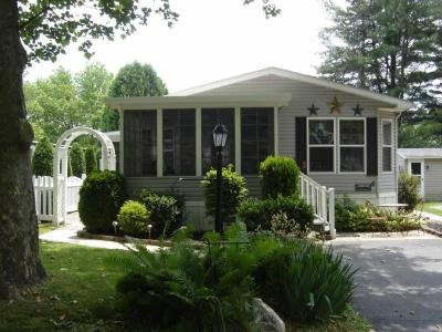 Mobile Home at 6 Woodsdale Court Bath, PA 18014
