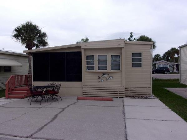 1985 RAVE Mobile Home For Rent