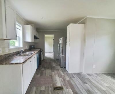 Mobile Home at 13318 S. Dixie Hwy. # 82 Holly, MI 48442