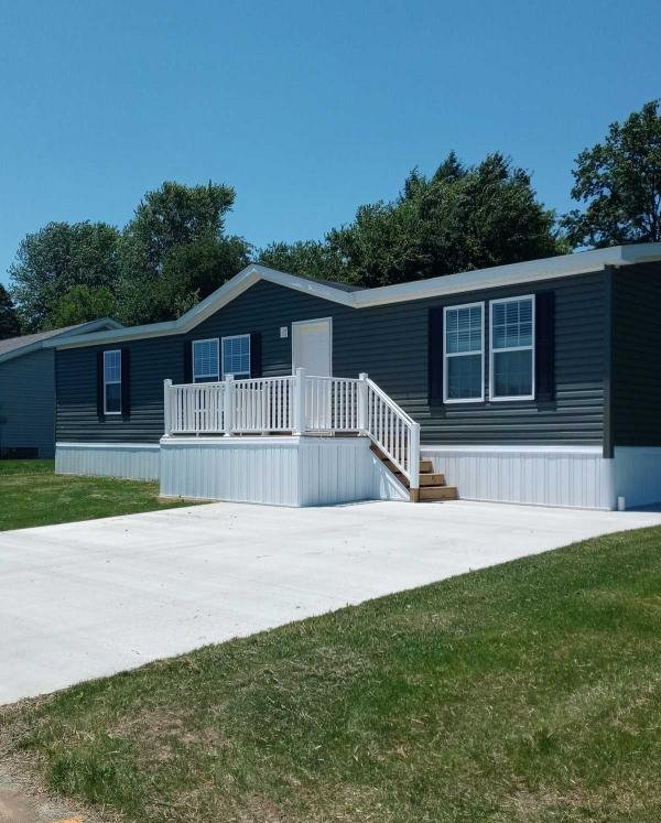 Photo 1 of 2 of home located at 804 Hummingbird Lane Apollo, PA 15613