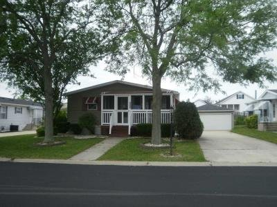 Mobile Home at 10857 W. Gateway Dr. Frankfort, IL 60423
