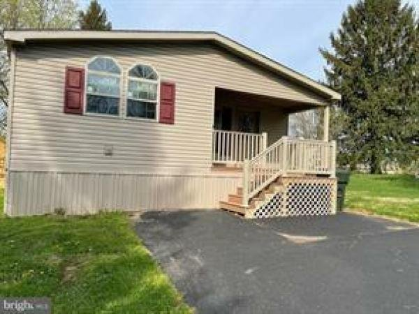 Photo 1 of 2 of home located at 226 Holly Drive Mount Wolf, PA 17347