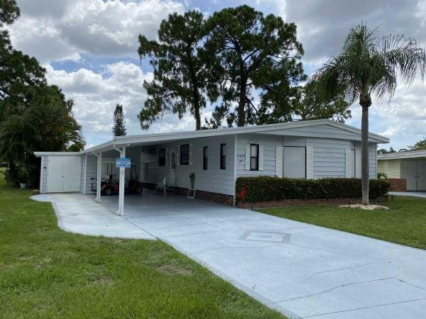 Photo 1 of 2 of home located at 19409 Bermuda Ct. North Fort Myers, FL 33903