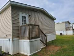 Photo 3 of 7 of home located at 95 Lynnwood Circle Clarksville, TN 37040
