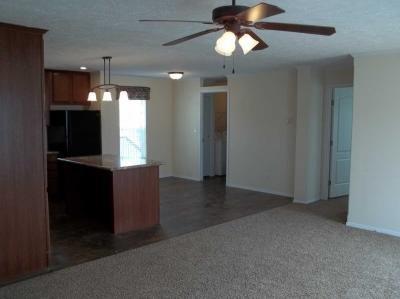Mobile Home at 24660 Canyon Circle Flat Rock, MI 48134