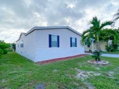 Photo 4 of 25 of home located at 6091 Seashore Dr Lantana Fl, 33462 Lantana, FL 33462
