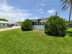 Photo 6 of 30 of home located at 5 SE Casa Rio Rd Port Saint Lucie, FL 34952