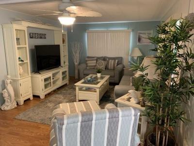 Mobile Home at 39248 Us Hwy 19 N Lot 223 Tarpon Springs, FL 34689