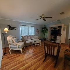 Photo 2 of 13 of home located at 7050 W Walden Woods Drive Homosassa, FL 34446
