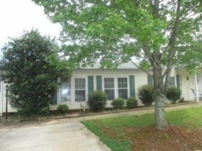 Mobile Home at 9911 One Wood Lake Court Charlotte, NC 28215