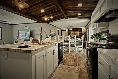 Mobile Home at N Ih35 New Braunfels, TX 78130