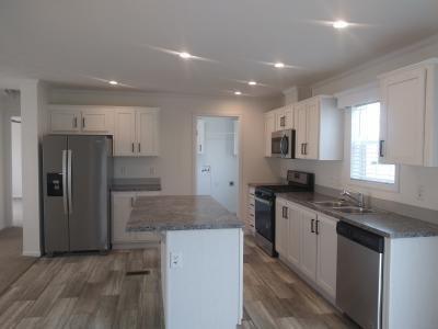Mobile Home at 37590 Sandstone Trl Lot 485 Lenox, MI 48048