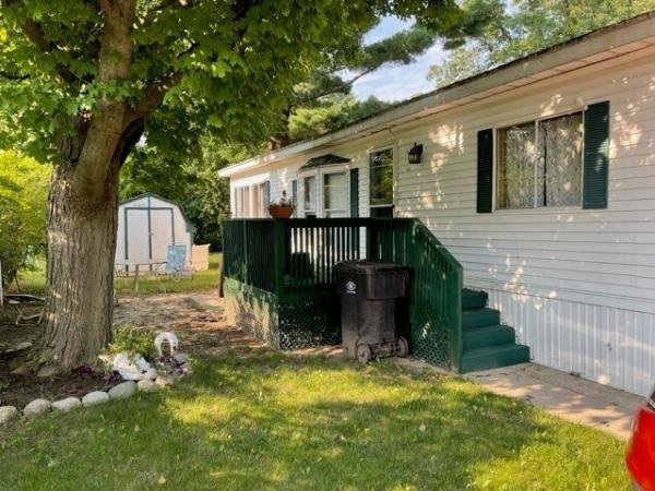 1985 HOLLY PARK Mobile Home For Sale