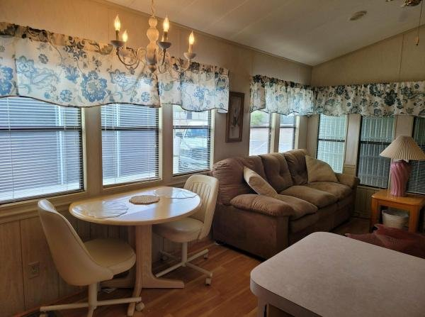 1988 CENT Mobile Home For Sale