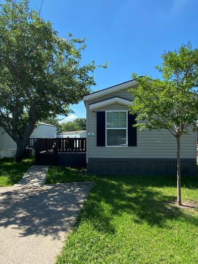 Mobile Home at 420 W Lawson Rd, Lot #32 Lot 4032 Dallas, TX 75253
